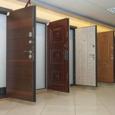 Доставка входных и межкомнатных дверей
